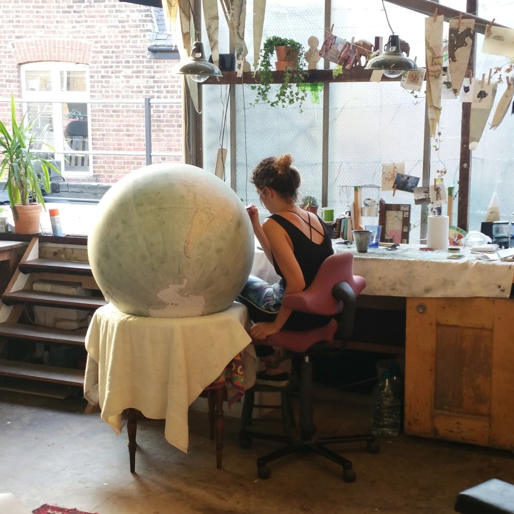 Painting_Mint_Green_80cm_Galileo_Isis_Bellerby_Globemakers_PhotoCred4_Jade_Fenster